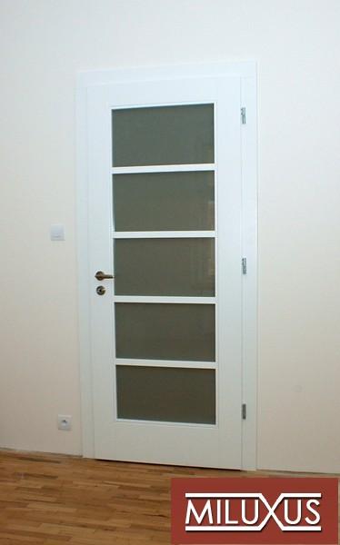 dveře interiérové - smrk - bílá barva - masiv