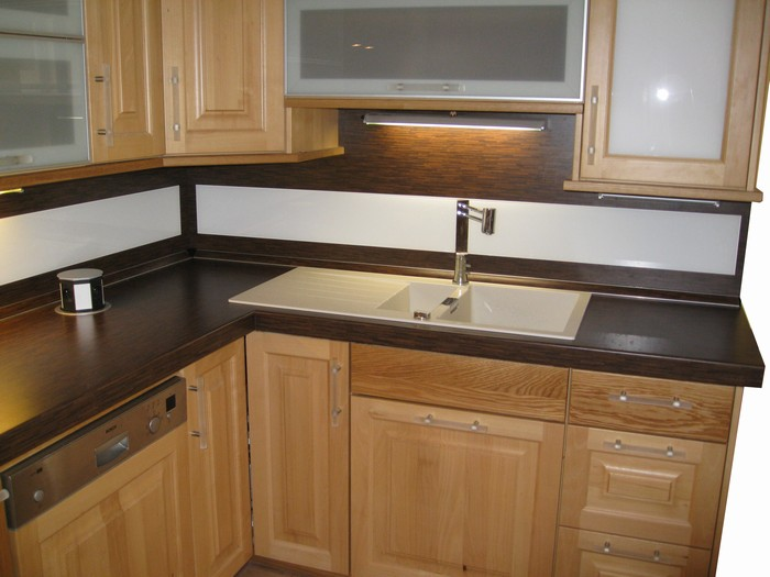 kuchyň - buk přírodní - kombinace s dubem přírodním - masiv