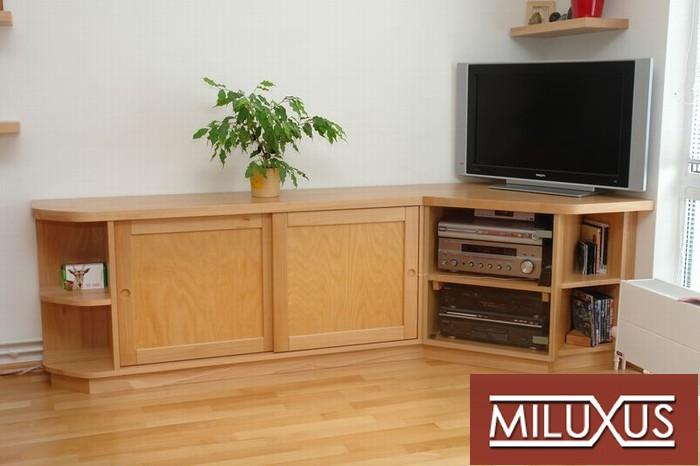 obývací pokoj - buk přírodní -  kombinace masiv a dýha