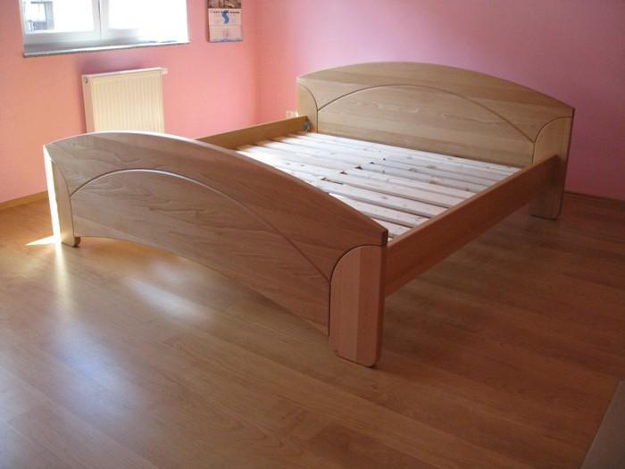 postel buk přírodní - masiv