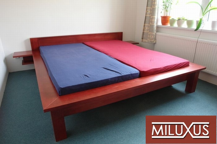 postel buk mořený - masiv