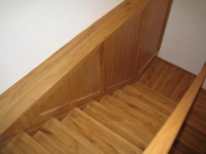 schody - obklad - kombinace s úložným prostorem - dub přírodní - masiv