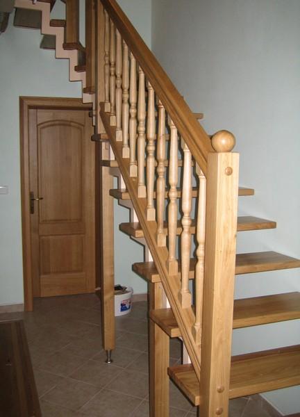 schody - stupně - dub přírodní  - masiv