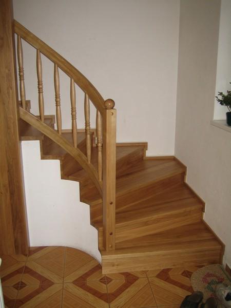 schody - rovné - obklad - buk přírodní - masiv