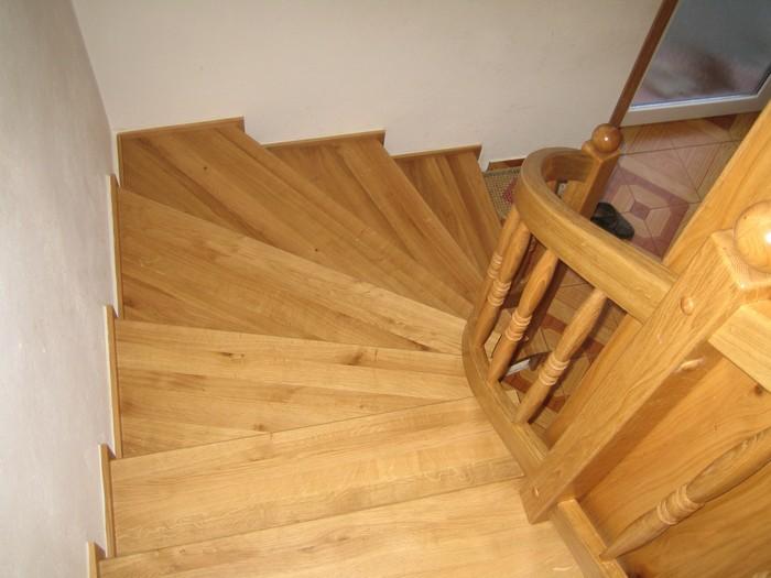 schody - točené - obklad - dub přírodní - masiv